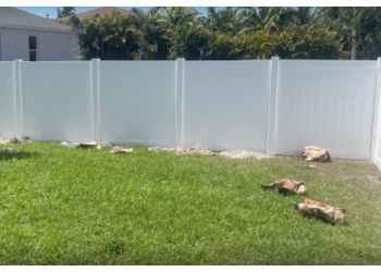 Cape Coral fencing contractor Eagle Fence Corporation