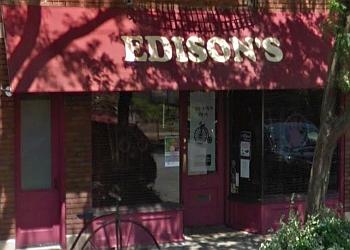 Cleveland pizza place Edison's Pizza Kitchen