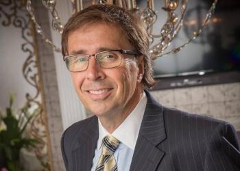 Allentown plastic surgeon Edward Guarino, MD