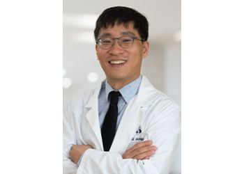 Elizabeth pain management doctor Edward J. Shen, MD