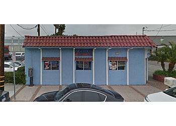 Inglewood seafood restaurant El Puerto Escondido