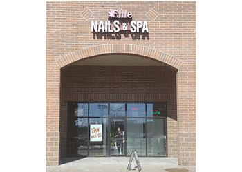 Milwaukee nail salon Ellie Nails & Spa