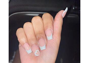 Milwaukee nail salon Ellie Nails & Spa