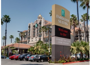 Downey hotel Embassy Suites by Hilton