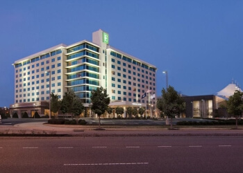 Hampton hotel Embassy Suites by Hilton