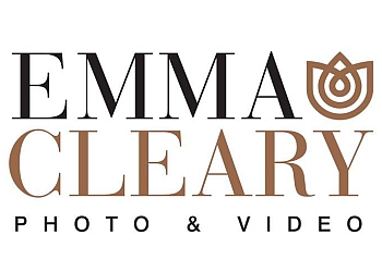 New York wedding photographer Emma Cleary photo & video