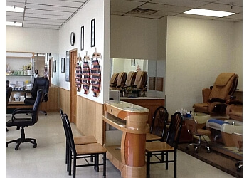 3 best nail salons in rockford il threebestrated. Black Bedroom Furniture Sets. Home Design Ideas