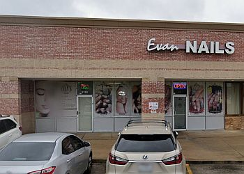 Houston nail salon Evan Nails