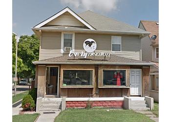Indianapolis beauty salon Evelyn's Beauty Salon