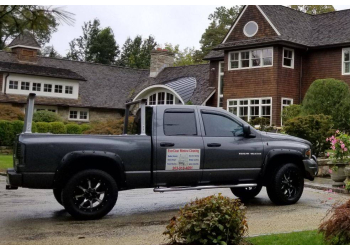 Stamford window cleaner EverClear Window Cleaning