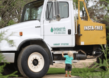 Grand Rapids landscaping company Everett's Landscape Management Inc.
