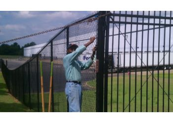 Memphis fencing contractor Express Fence Services
