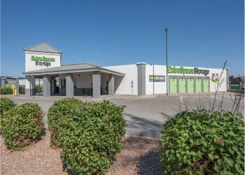 Glendale storage unit Extra Space Storage