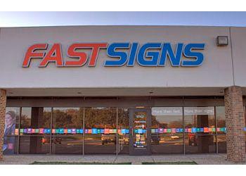 Dallas sign company FASTSIGNS