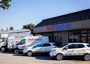 Long Beach sign company FASTSIGNS