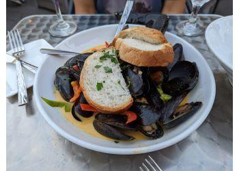 F I S H Restaurant Bar