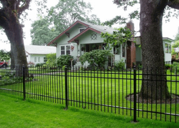 Salem fencing contractor F&W Fence Co.