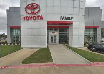 Arlington car dealership Family Toyota of Arlington