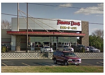 Springfield barbecue restaurant Famous Dave's Bar-B-Que