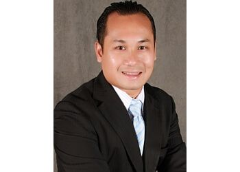 Garden Grove insurance agent Farmers Insurance - Hung Nguyen