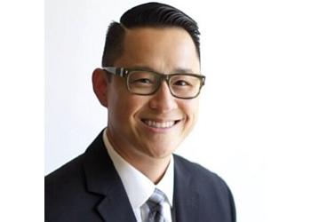 Santa Ana insurance agent Farmers Insurance - Ray Cheng