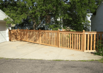 St Paul fencing contractor FenceIn Deck