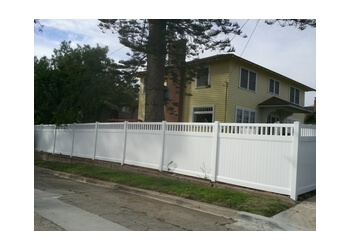 Chula Vista fencing contractor Fence Masters