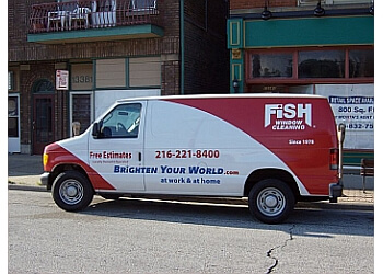 Cleveland window cleaner Fish Window Cleaning