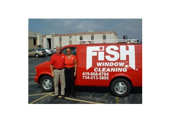 Toledo window cleaner Fish Window Cleaning