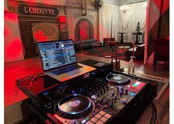 Long Beach dj Flawless Entertainment DJ's