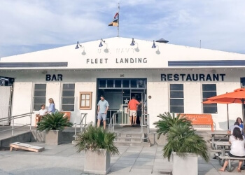 Charleston seafood restaurant Fleet Landing Restaurant & Bar