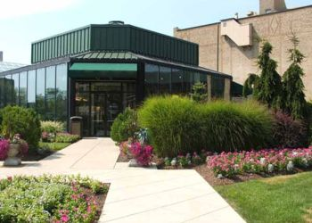 Fort Wayne places to see Foellinger-Freimann Botanical Conservatory