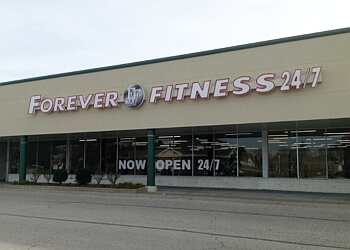 Akron gym Forever Fitness 24