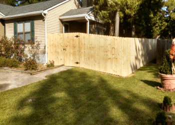 Newport News fencing contractor Foster Fence Company