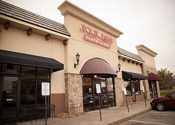 Olathe pet grooming Four Paws Pantry & Spa