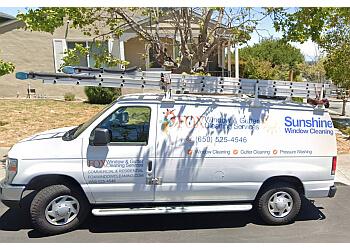 San Francisco gutter cleaner Fox Window & Gutter Cleaning Services