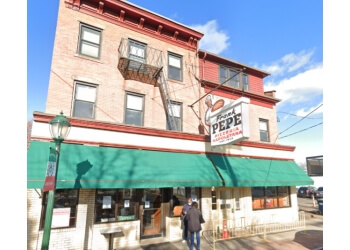 New Haven pizza place Frank Pepe Pizzeria Napoletana
