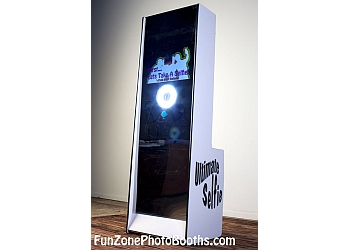 Fort Wayne photo booth company Fun Zone Photo Booths