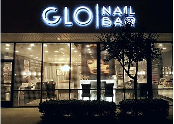 Costa Mesa nail salon GLO Nail Bar