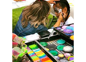 Bellevue face painting Gabby Smiley Facepainting