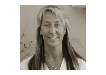 Palmdale physical therapist Gabriela Cena-Vodanovic, rpt