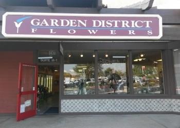 Bakersfield florist Garden District Flowers