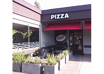 Santa Rosa pizza place Gio's Pizza