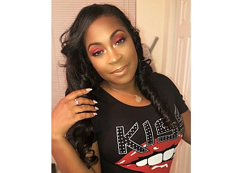 Fort Worth makeup artist Glammed by Que