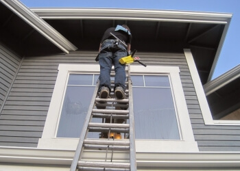 Long Beach window cleaner Glass Action Window Cleaning