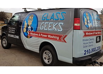 San Antonio window cleaner Glass Geeks LLC