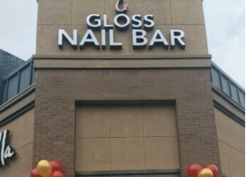 Memphis nail salon Gloss Nail Bar