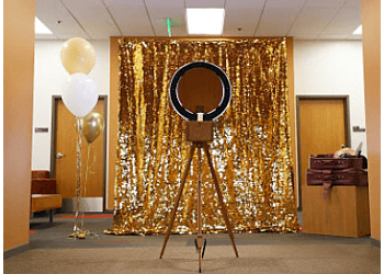 Nashville photo booth company Go Bonanza
