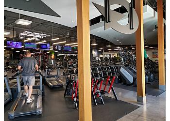 Anaheim gym Gold's Gym