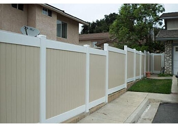 Fullerton fencing contractor Good Neighbors Fence